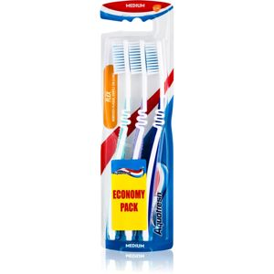 Aquafresh Flex zubné kefky medium light green, light purle, dark blue 3 ks